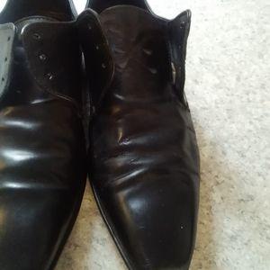 Hugo boss shoes 3/25$